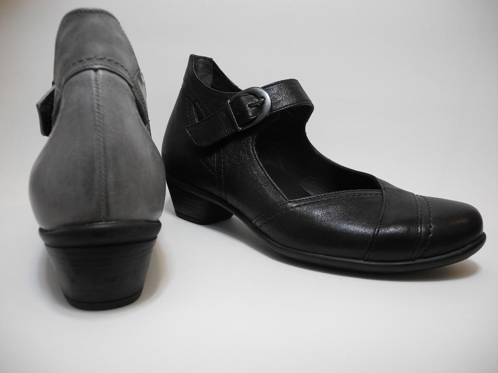 ドイツの健康靴フィンコンフォート お仕事スタイルにも合う「ロズウェル」
