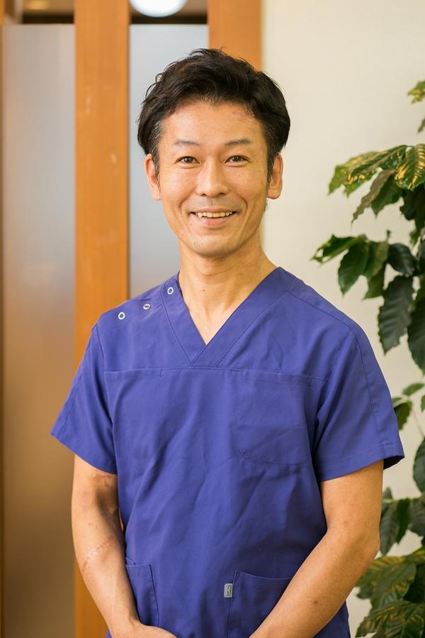 大阪市しおかわ鍼灸接骨治療院の大宮小学校出身の院長塩川徹の画像