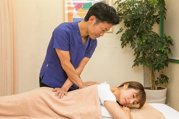 千林しおかわ鍼灸整骨院のマッサージの施術画像